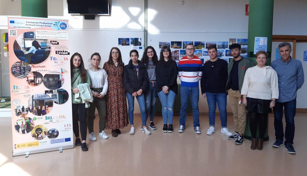 Foto de los alumnos y profesores involucrados en el proyecto